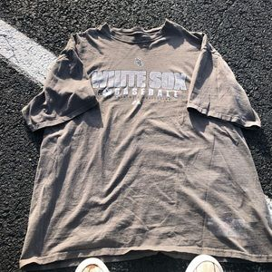 Faded grey Chicago white Sox tee